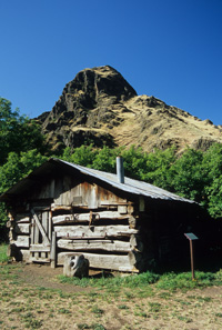 Hells Canyon cabin