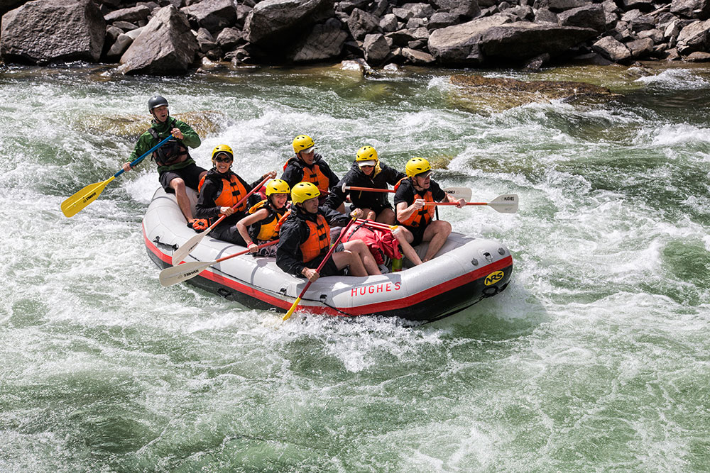 Paddle raft on the salmon river