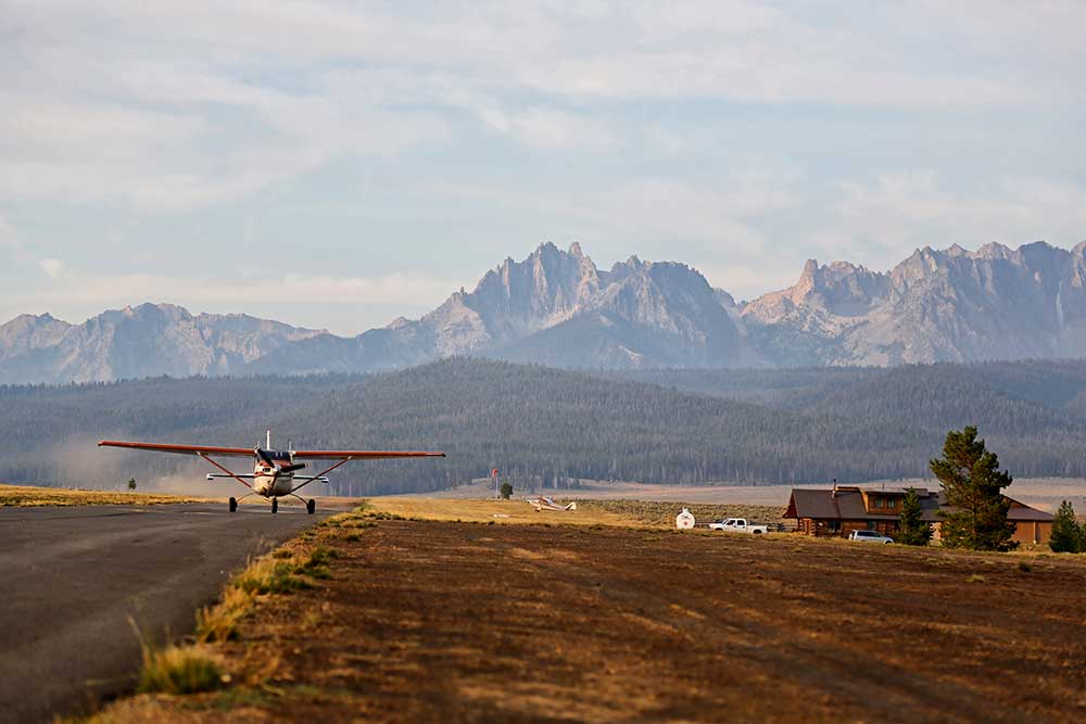 charter plane landing