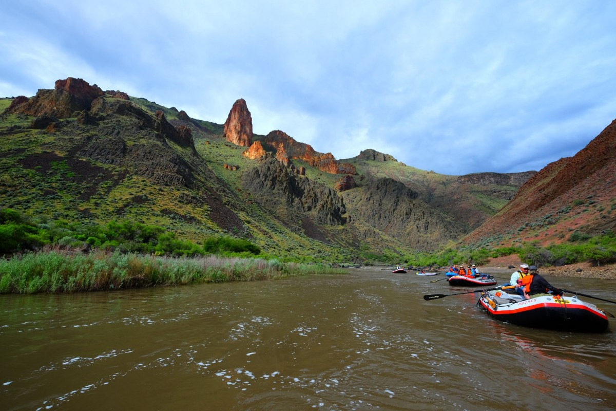 owyhee-boats-on-the-river-3