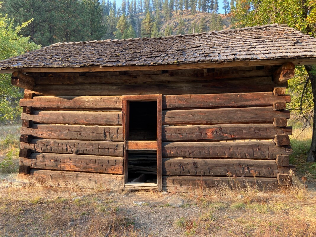 historic cabins main salmon 2
